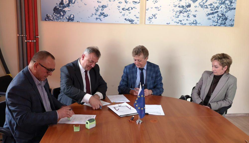Podpisanie umowy na budowę kanalizacji i modernizację sieci wodociągowej na obszarze Czechowic-Dziedzic Południe-cz.3.1 wraz z modernizacją dróg gminnych