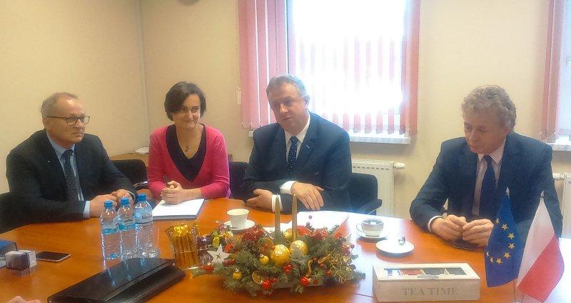 Podpisanie umowy na budowę kanalizacji i modernizację sieci wodociągowej na obszarze Czechowic-Dziedzic Południe-cz.2 wraz z modernizacją dróg gminnych